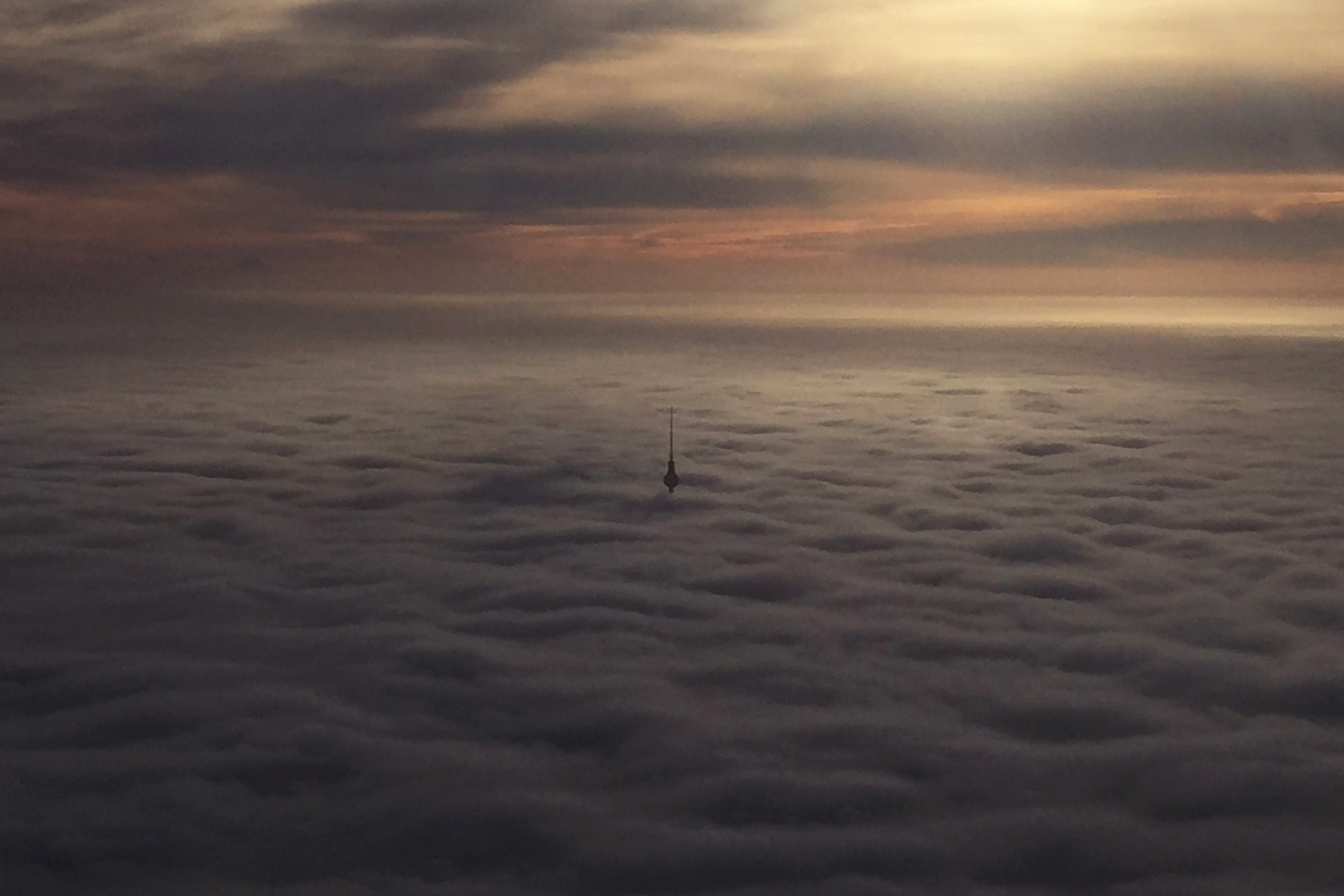 fernsehturm_ueber-den-wolken
